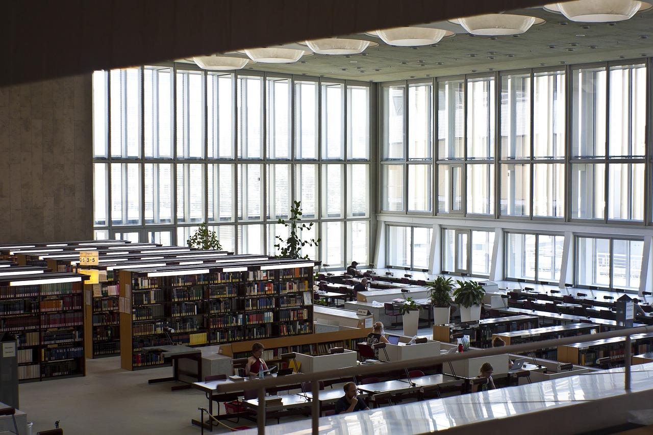 State Library Berlin  - valentinhintikka / Pixabay