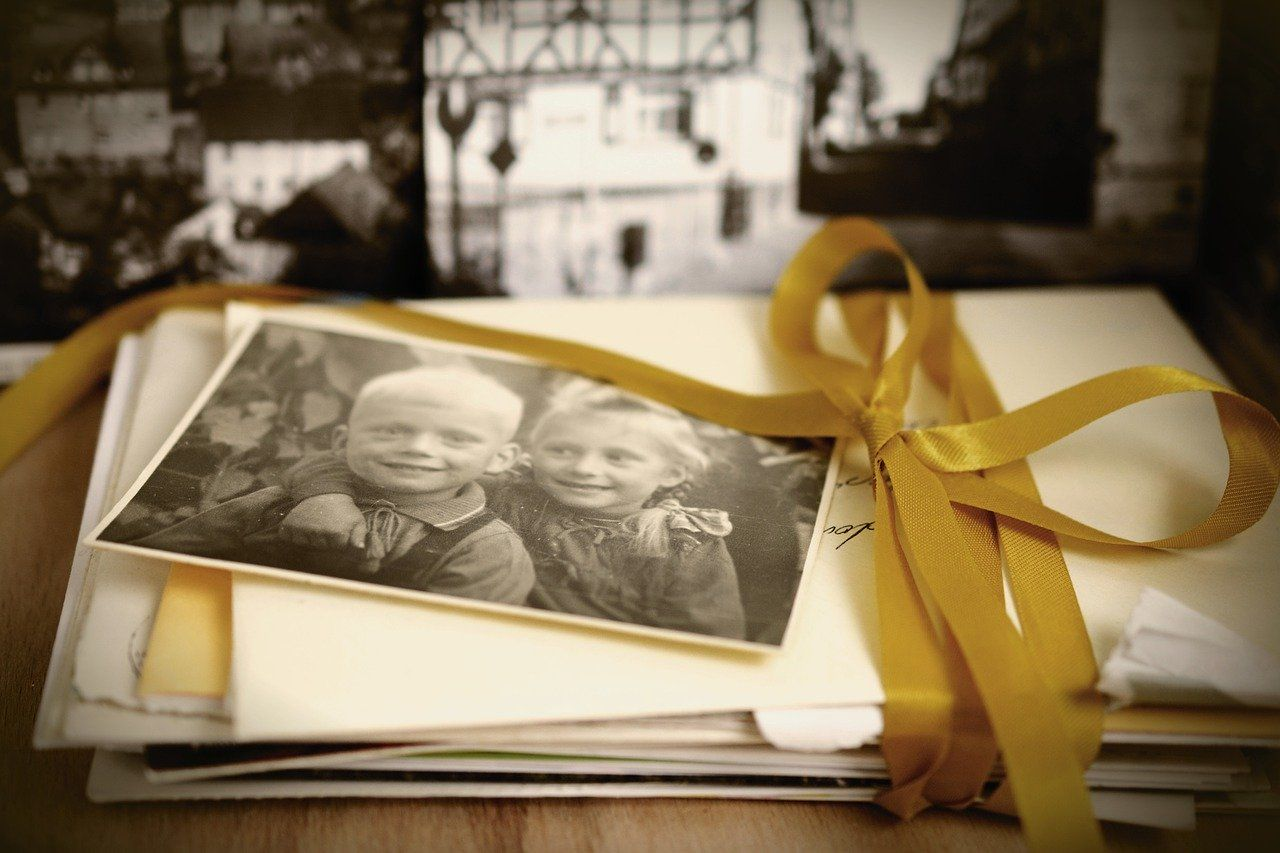 Memory Photos Brothers And Sisters  - congerdesign / Pixabay