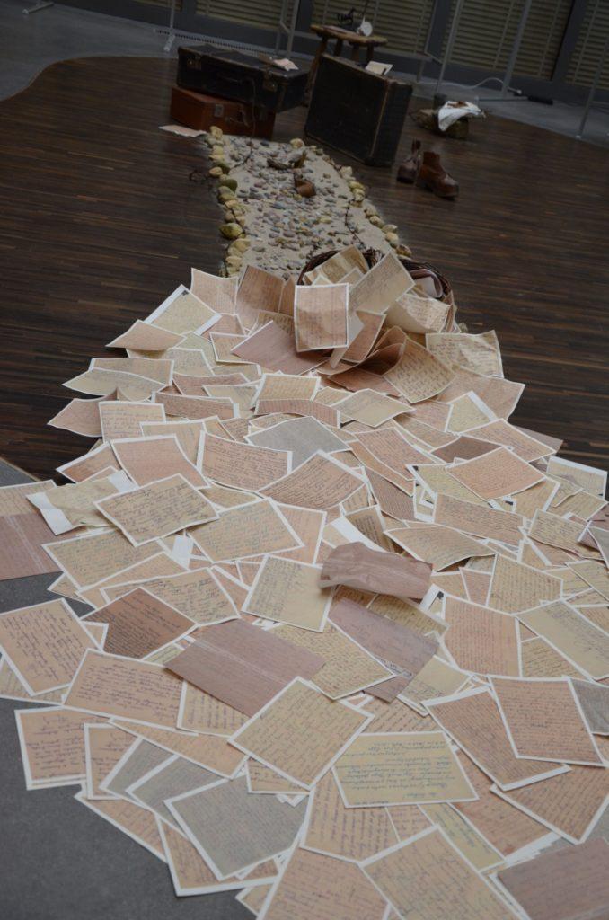 Fragment instalacji wystawy 1