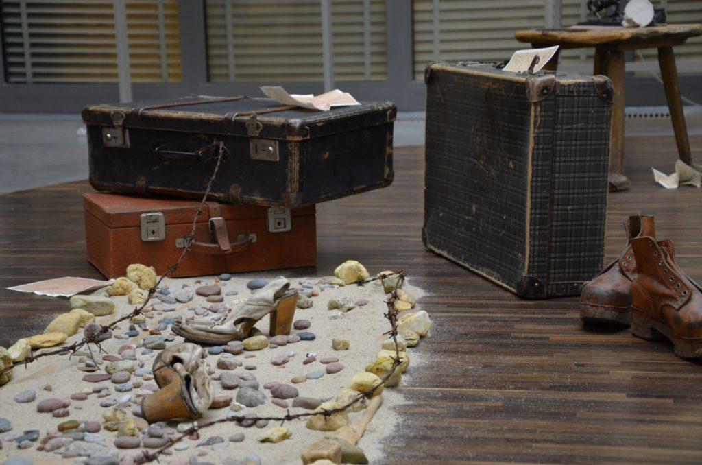 Fragment instalacji wystawy 3