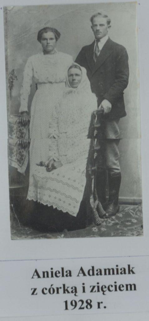 aniela-adamiak-z-rodzina-1928-r