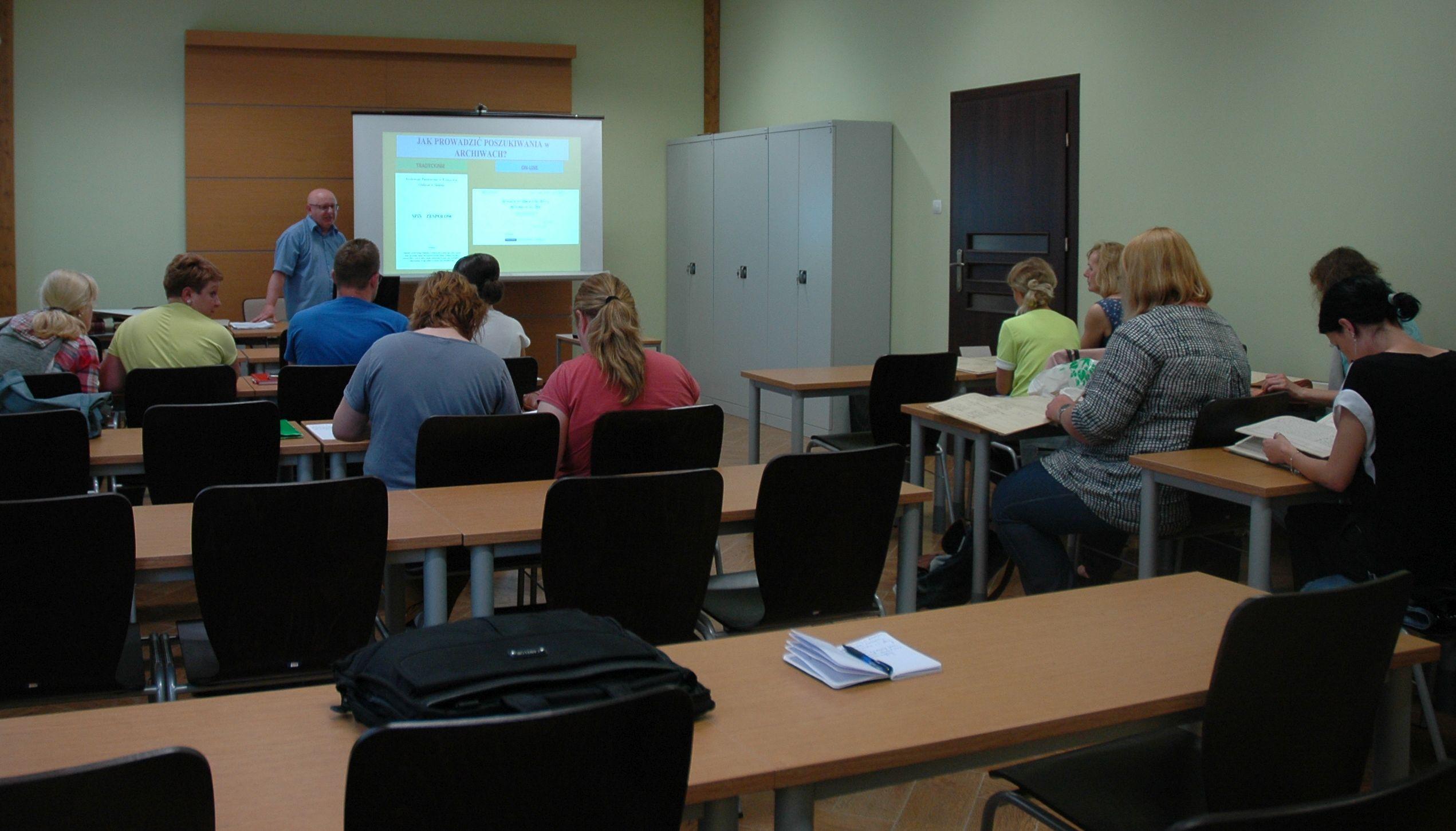 lekcja archiwalna - sala wraz z uczestnikami
